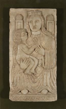 SIGUIENDO MODELOS DEL ROMANICO Virgen con Niño
