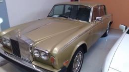 ROLLS ROYCE SILVER SHADOW II Potencia: 190CV . Km: 85.454 KM . Combustible: GASOLINA . 4 puertas.Cambio automático insertado en volante.Llantas de originales.Acabados en piel y madera.Muy cuidado.