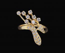 LANZADERA DE SERPIENTE CON RACIMO DE DIAMANTES BROWN Y ORO AMARILLO Realizada en oro amarillo de 18 kt. Lanzadera formada por una serpiente cuajada de diamantes talla brillante brown de la que surgen hileras a modo de racimo de brillantes brown. Engastado